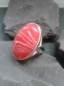 rhodonite rasperry ripple cocktail ring