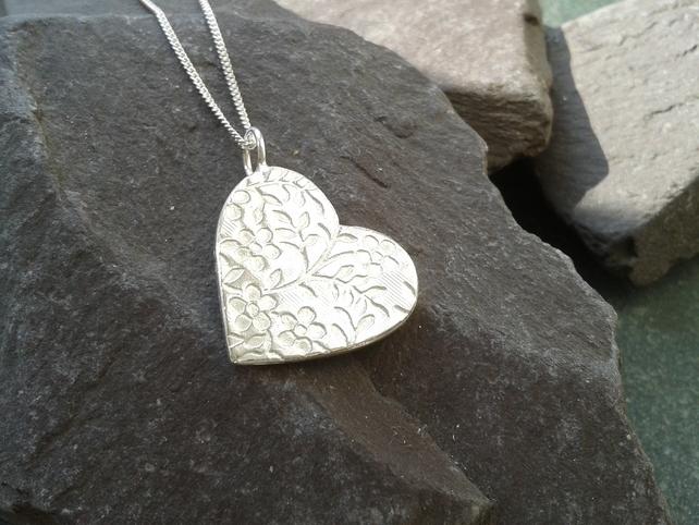 floral silver heart pendant