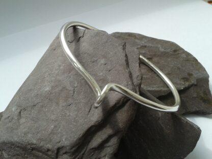 swizzle silver bangle