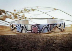 Everlasting silver cuff