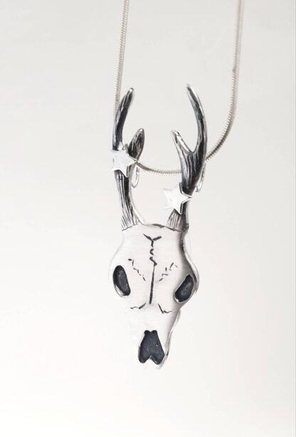 Ossia 2 stars deer skull pendant